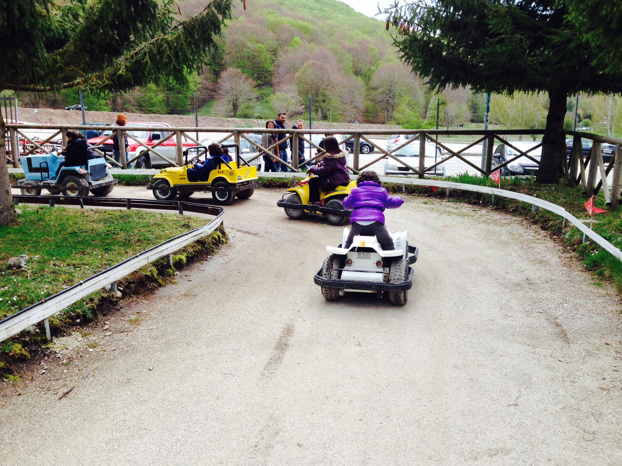 Pista mini quad e macchine - Parco Giochi Lacenoalndia a Lago ...